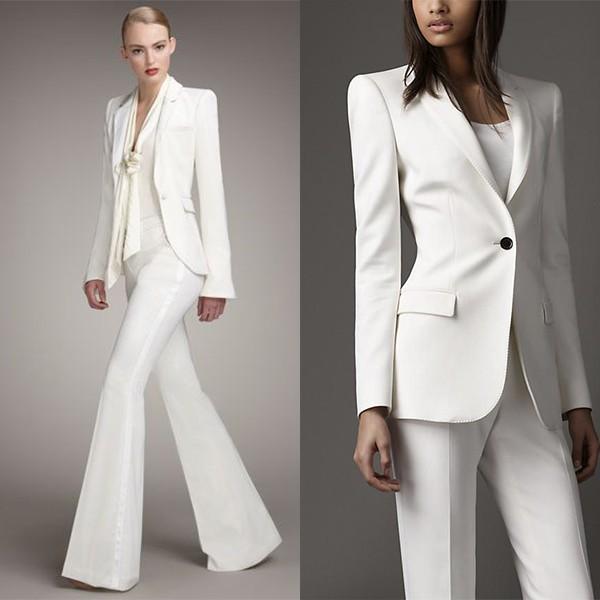 Лучшие женские деловые костюмы