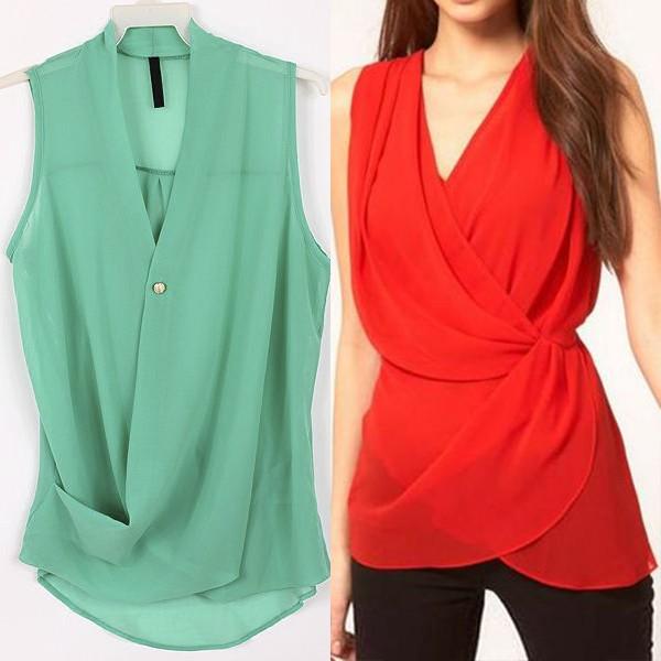 На фото модная блузка с эффектом запаха