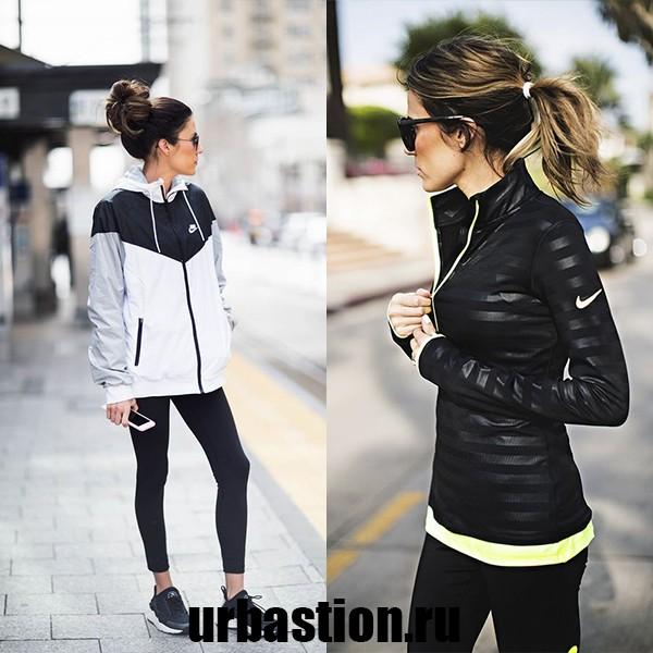 На фото женская ветровка Nike