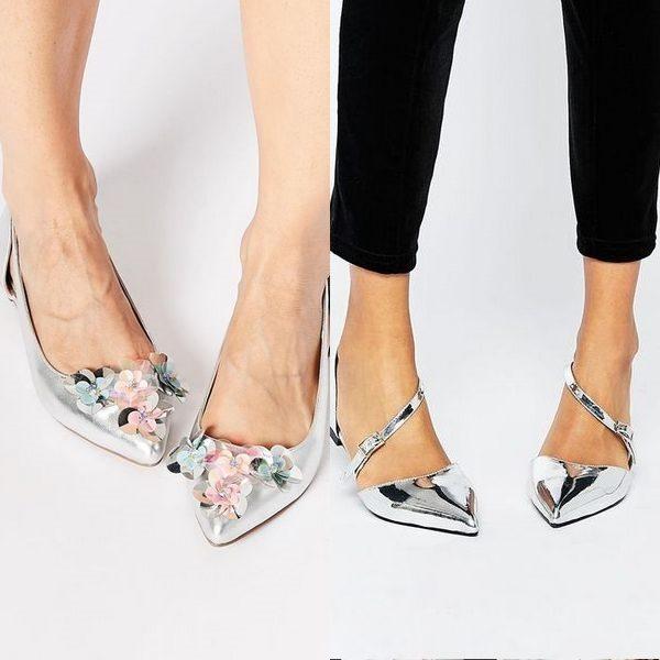 Босоножки серебряного цвета: сказочная туфелька 2019 года на фото