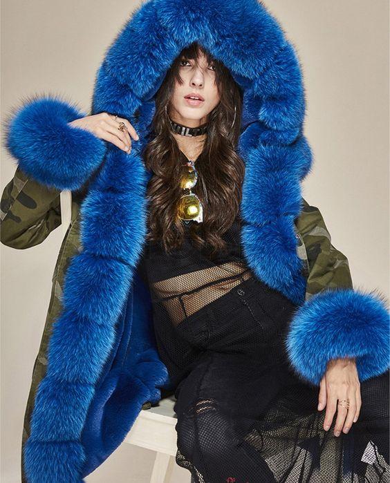 Синяя парка: универсальная модель для женского гардероба 2019 года