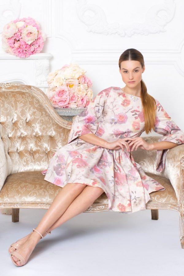 Платье с юбкой солнце для девушек: воздушные фасоны 2019 года
