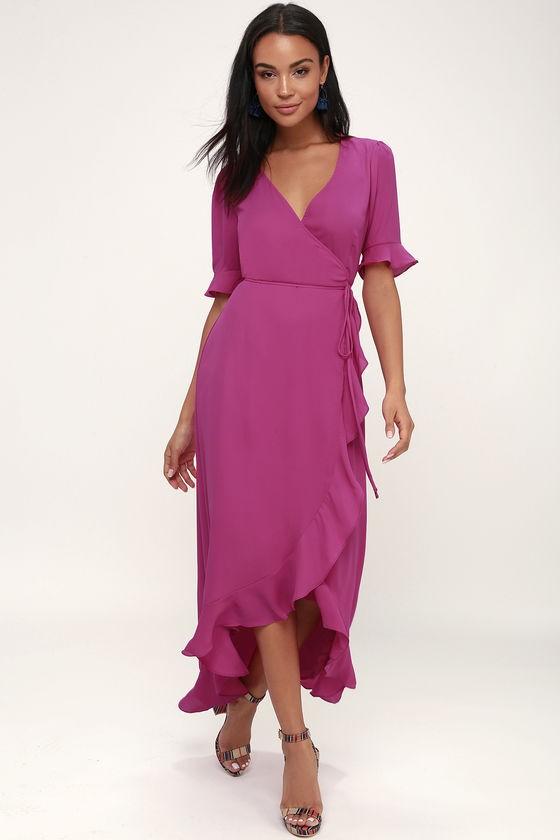da0cc42242ddc1b Если у платья-тюльпан запах на подоле, то изделие считается более  универсальным. В качестве вечернего наряда выбирают длинные изделия.