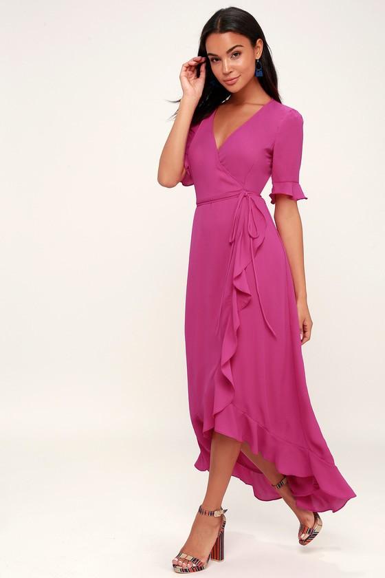ea69a32209b82d9 Если у платья-тюльпан запах на подоле, то изделие считается более  универсальным. В качестве вечернего наряда выбирают длинные изделия.
