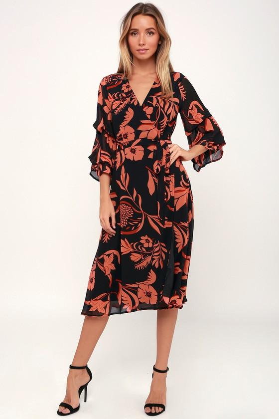 64727af3c3ca40b Полные женщины хоть и обращают внимание на длинные фасоны, должны знать о  том, что и миди платья будут выглядеть на фигуристой девушке идеально.