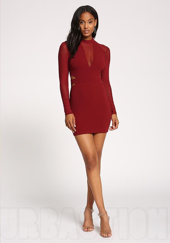 30e65c1738fb Платья миди – настоящая находка под Новый год для взрослых и уверенных в  себе дам. Это женственные и грациозные модели. При этом, модель платья  может быть ...