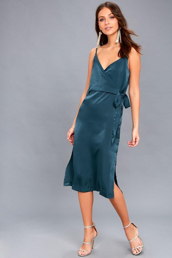 c286490ce59 Платье из шелка 2019  лучшие шелковые модели с описанием и фото