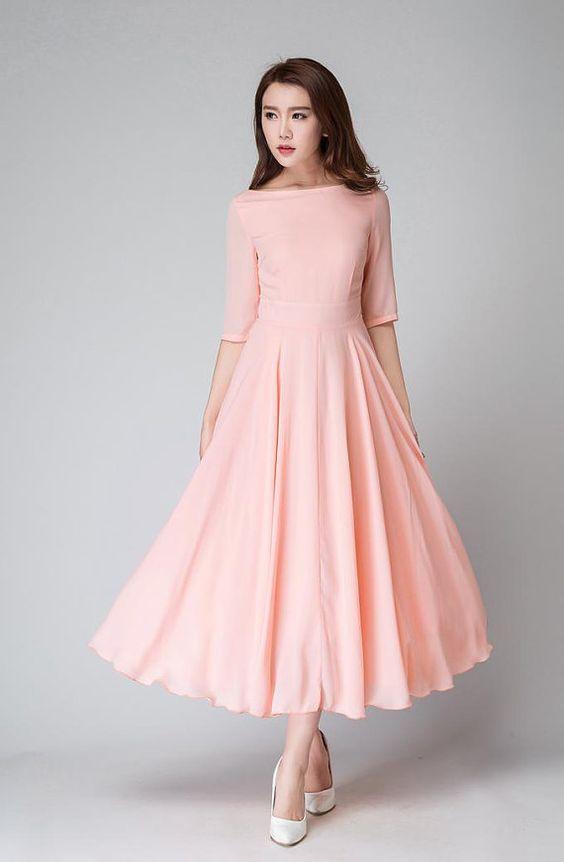 0671409aa9b Большое разнообразие фасонов имеют короткие платья из шифона. Они могут  быть совершенно любой расцветки – черной