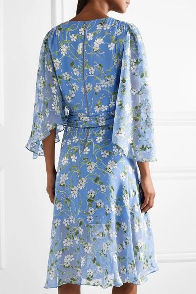 ab111c46867 Комбинированные фасоны – это платья с рукавами из шифона и другие  интересные модели. К ним относятся изделия с оригинальными вставками.